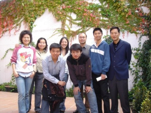 IE Chines Students NOV 2005.JPG